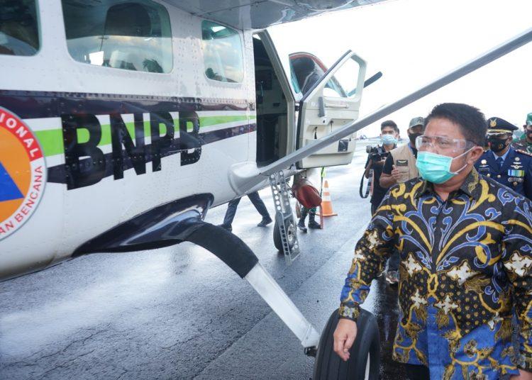 Gubernur Sumsel, Herman Deru saat meninjau peralatan pemadam karhutla, Rabu (29/07). (Humas Pemprov Sumsel)