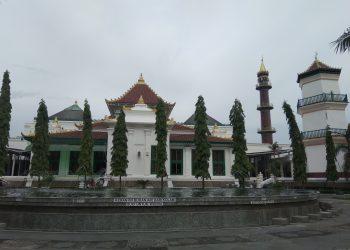 Masjid Agung SMB II Palembang. Foto: Alwi Alim