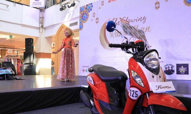 Seorang peserta mengikuti penilaian Miss Hijab pada Festival Ramadan Yamaha 2021 yang berlangsung 25 April-1 Mei 2021 di Palembang Indah Mall. (fornews.co/thamrin brothers)