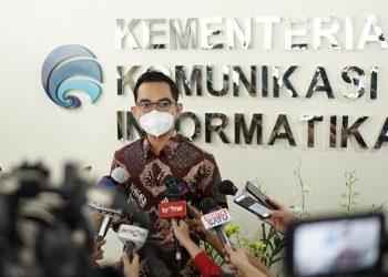 Jubir Kementerian Kominfo Dedy Permadi memberikan keterangan pers. (kementerian kominfo)
