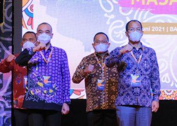 Bupati Muba, Dodi Reza Alex, saat pengukuhan kepengurusan APKASI Masa Bakti 2021-2026, di Nusa Dua Convention Center, Nusa Dua, Badung, Bali, Sabtu (19/6/2021).(fornews.co/humas pemkab muba)