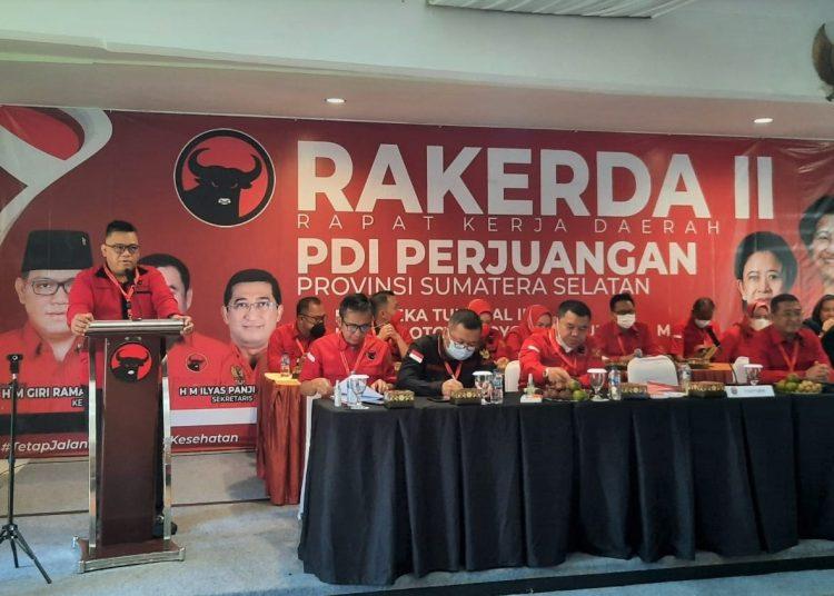 Ketua DPD PDI Perjuangan Sumsel, HM Giri Ramanda N Kiemas, saat berbicara pada Rakerda PDI Perjuangan II DPD Sumsel di Ilayah Hotel & Resort, Jalan Palembang-Indralaya, Kabupaten Ogan Ilir, Senin (7/6/2021). (fornews.co/ist)