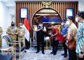 Gubernur Sumsel, Herman Deru, saat menerima pengurus Gekraf Wilayah Sumsel, di Ruang Tamu Gubernur Sumsel, Selasa (13/7). (fornews.co/humas pemprov sumsel)