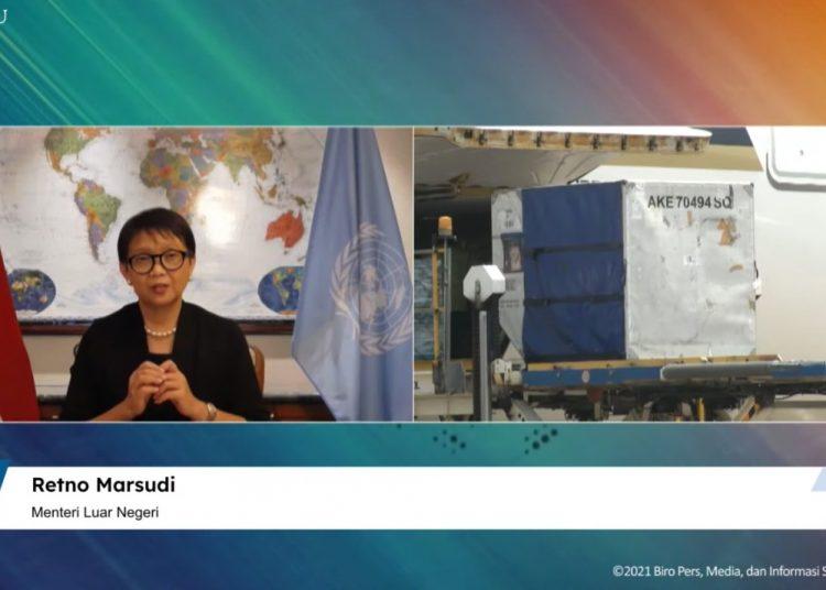 Menlu RI Retno LP Marsudi dalam keterangan pers menyambut kedatangan vaksin tahap ke-78, secara virtual, Jumat (24/09/2021). (Sumber: Tangkapan Layar YouTube Sekretariat Presiden)