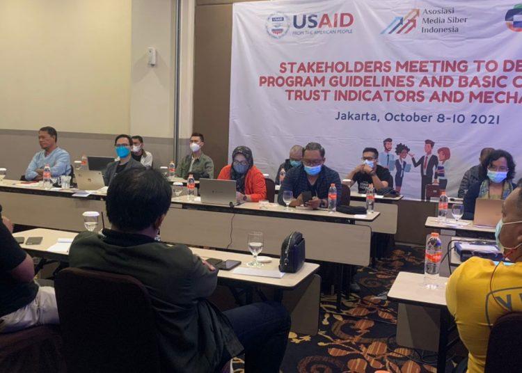 AMSI menggelar pertemuan dengan para pihak saat merumuskan panduan dan indikator kepercayaan media digital, akhir pekan kemarin. (fornews.co/foto:AMSI)