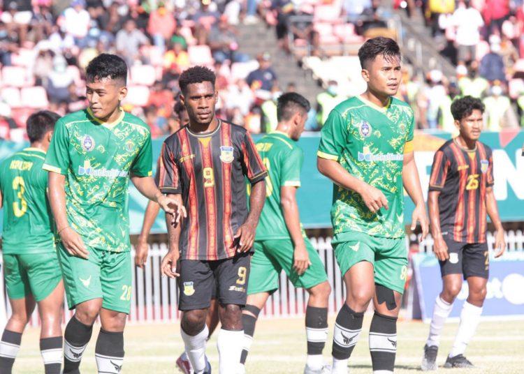 Partai semifinal cabor sepakbola PON XX Papua antara Papua versus Kalimantan Timur di Stadion Mandala, Jayapura, Selasa (12/10/2021).(fornews.co/Foto: PB PON XX PAPUA/Daniel R R Wambrauw)
